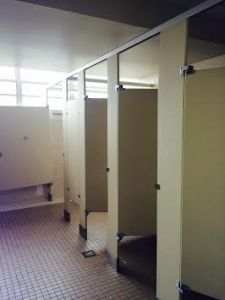 Photo of the other restroom that we plan to tackle; in the near future. This photo was taken by Dayanne Acosta.