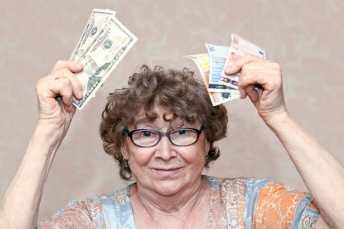 Grandma-with-money